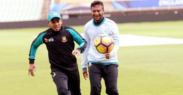 shakib-mushfiq-football.jpg